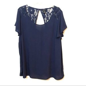 Torrid key hole back flutter sleeve lace top